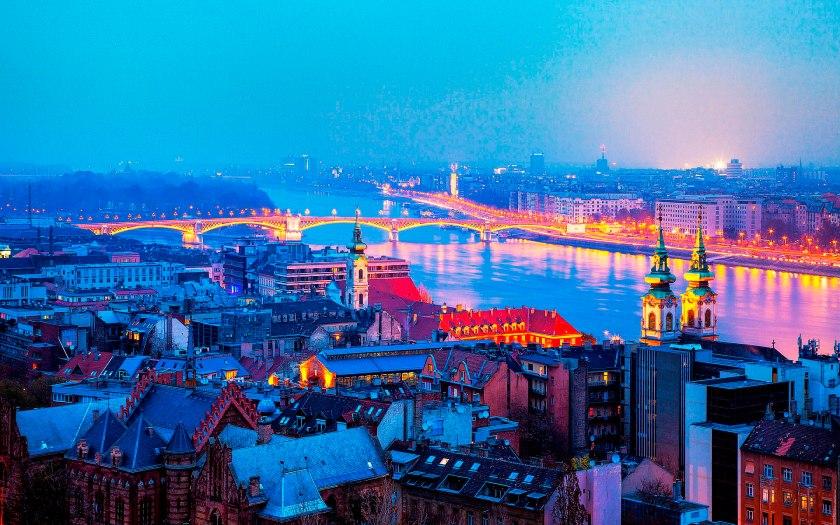 Budapest, Look On
