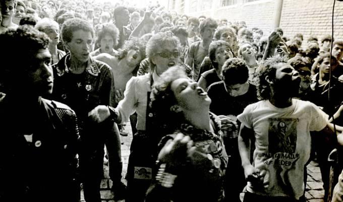 Agentss – Compactos (1982 –83)
