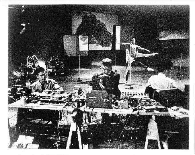 John Cage, Variations V