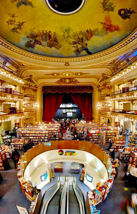 El Ateneu, Library